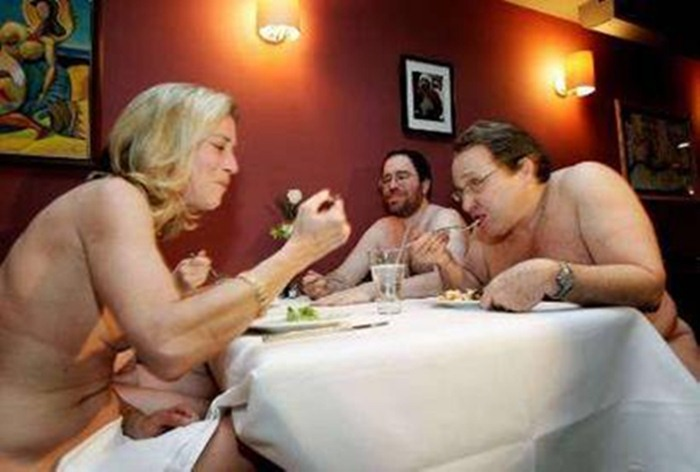 nude-diners1