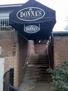 Donnas_outside